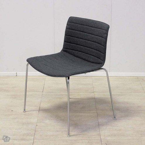 Arper Catifa-tuoli, useita