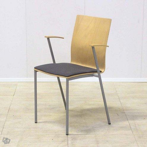 Martela Picco-tuoli, useita