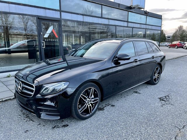 Mercedes-Benz E220d 4Matic*AMG*Widescreen*Pano*HUD