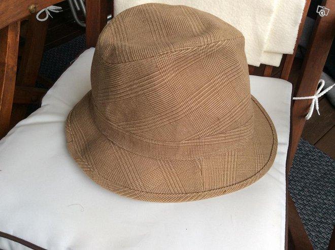 Uusi hattu