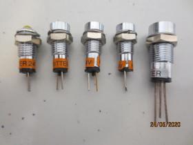 LED-merkkivaloja mutterikiinnityksellä 15 kpl, Muu viihde-elektroniikka, Viihde-elektroniikka, Paimio, Tori.fi