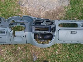 Kojelauta (sis. hansikaslokero) - Renault Megane, Autovaraosat, Auton varaosat ja tarvikkeet, Loppi, Tori.fi