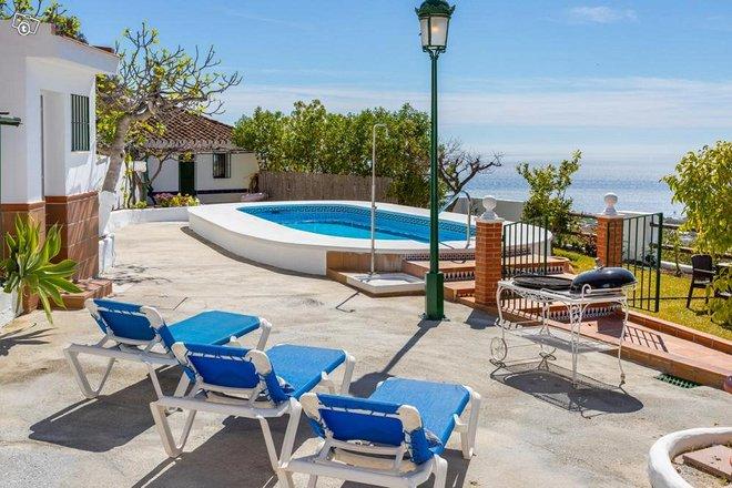 Villa Hermoso, lomahuvila Aurinkorannikolla