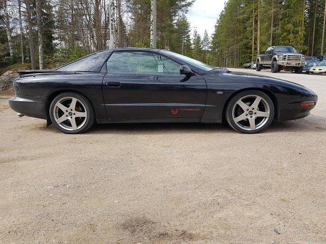 Pontiac Firebird 2