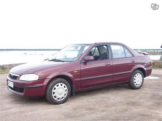 Mazda 323 2