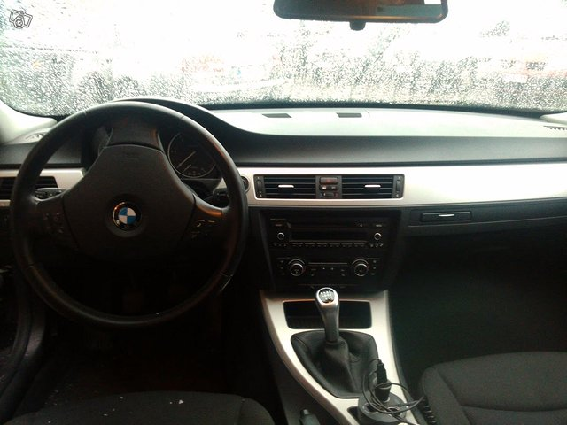 BMW 318 TDI 2.0 Farmari 4