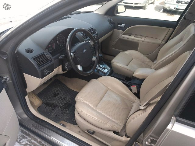 Ford Mondeo 2.5 STW Automatic 5