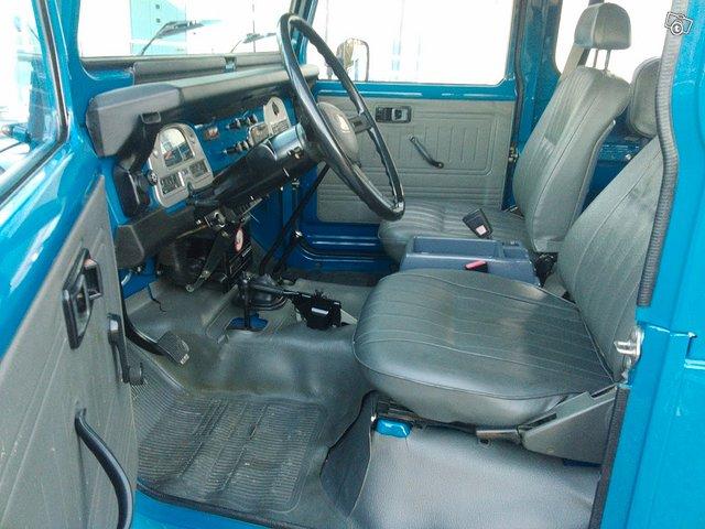 Toyota BJ42 L Land Cruiser 4