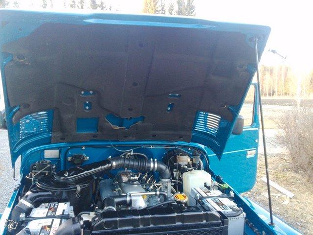 Toyota BJ42 L Land Cruiser 8