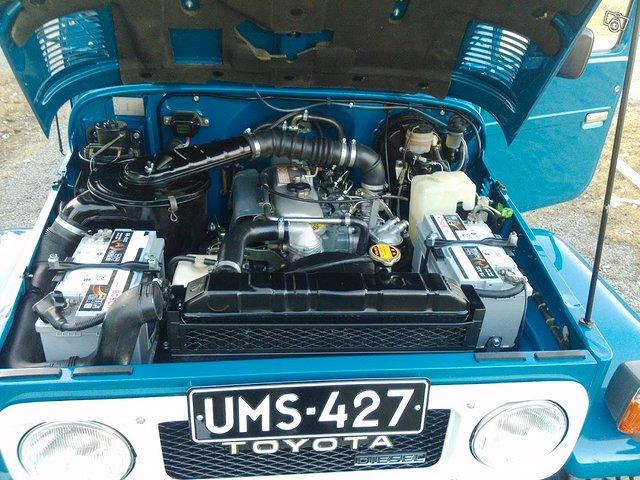 Toyota BJ42 L Land Cruiser 12