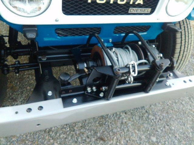 Toyota BJ42 L Land Cruiser 13