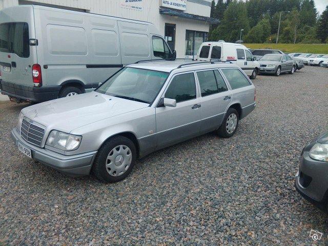 Mercedes-Benz 5D COMBI E 200T 2