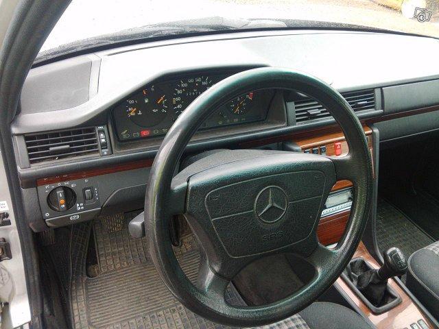 Mercedes-Benz 5D COMBI E 200T 7