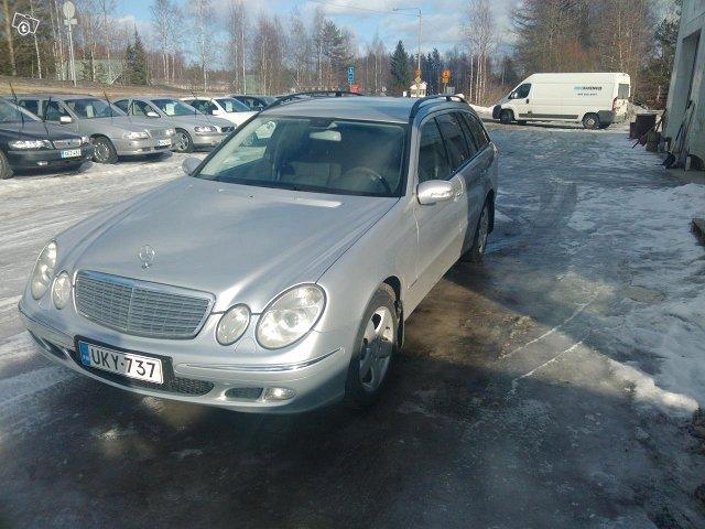 Mercedes-Benz E220 Farmari-7 Hengen 2
