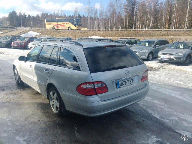 Mercedes-Benz E220 Farmari-7 Hengen 3