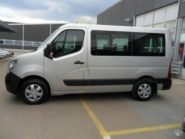 Nissan NV400 2