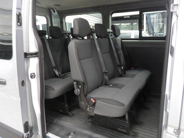 Nissan NV400 9