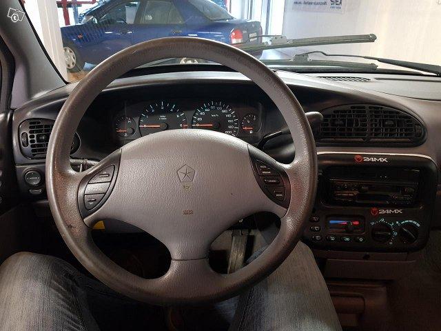 Chrysler Voyager 6