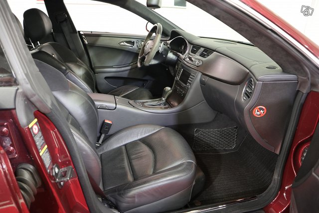 Mercedes-Benz CLS 63 AMG 8