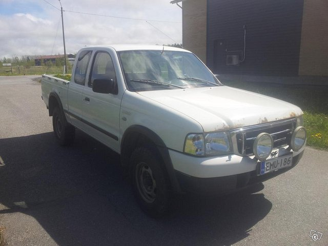 Ford RANGER PICKUP 2