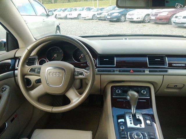 Audi A8 8