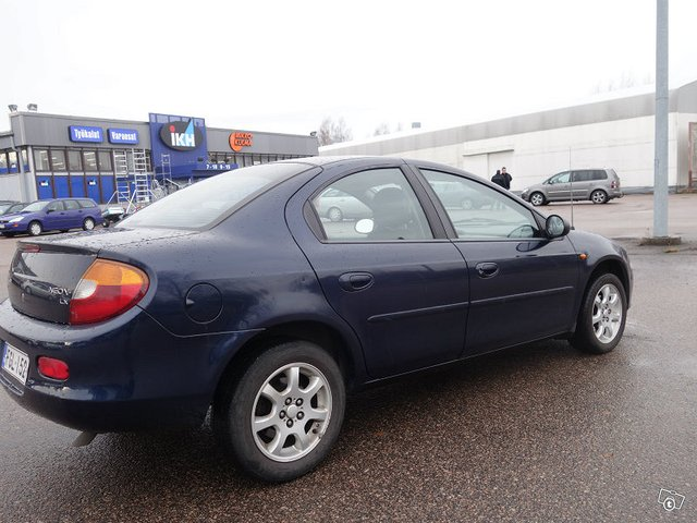 Chrysler NEON 3