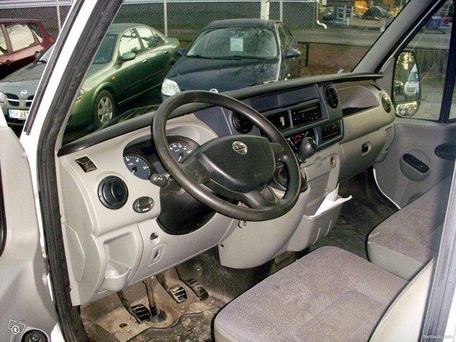 Nissan Interstar 4