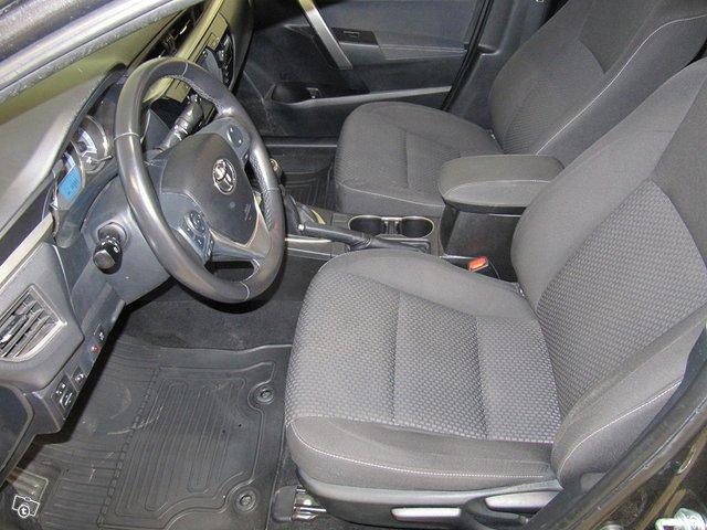 Toyota Corolla 4
