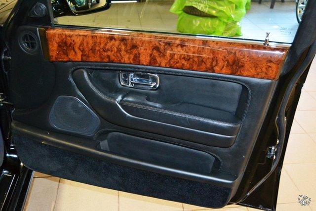 Bentley Arnage 6
