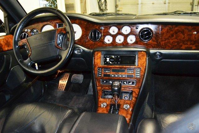 Bentley Arnage 12
