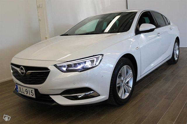 Opel INSIGNIA 1