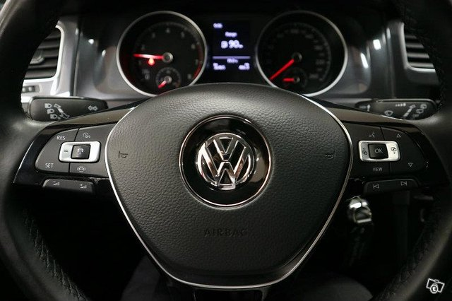 VOLKSWAGEN GOLF 14