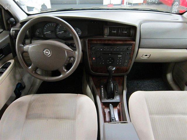 Opel Omega 8