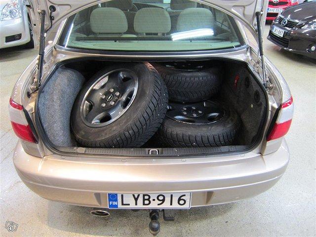Opel Omega 12