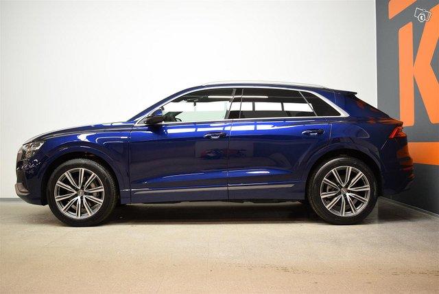 Audi Q8 3