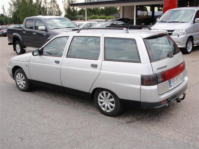 Lada-VAZ 111 4