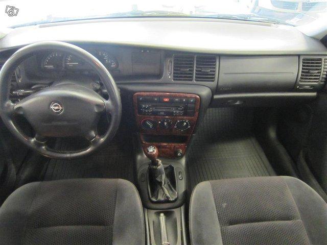 Opel Vectra 8