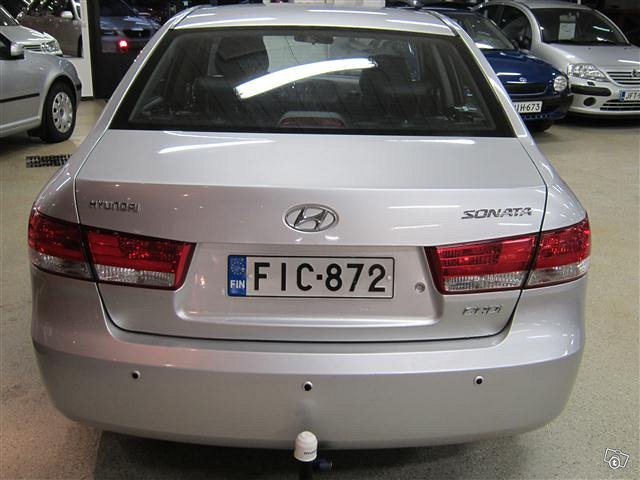 Hyundai Sonata 4