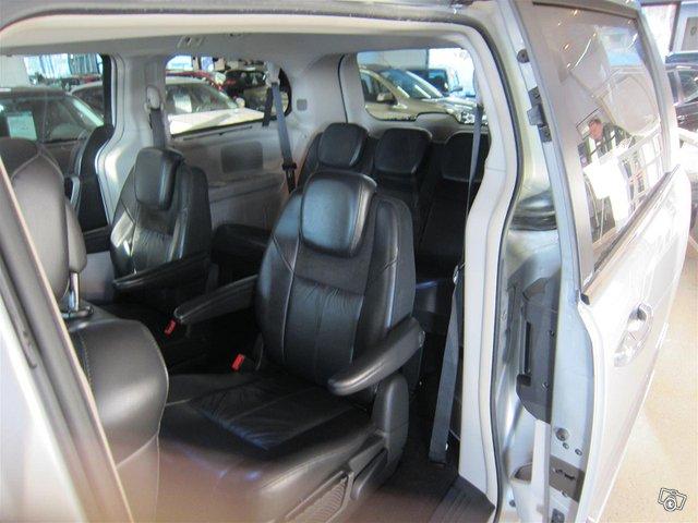 Chrysler Voyager 8