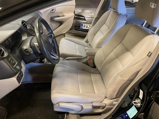Honda Insight 9
