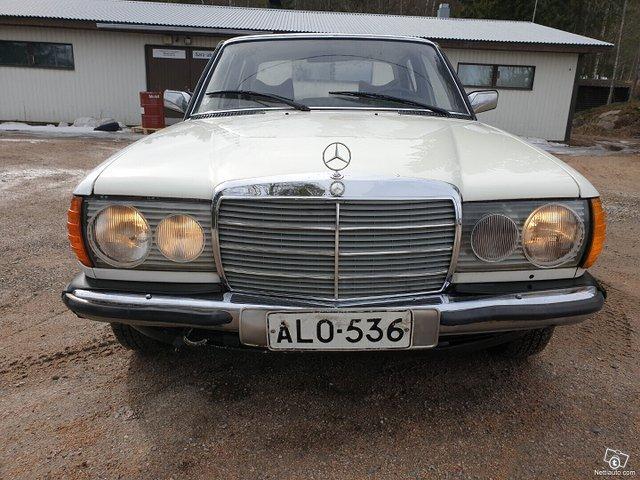 Mercedes-Benz 220 7