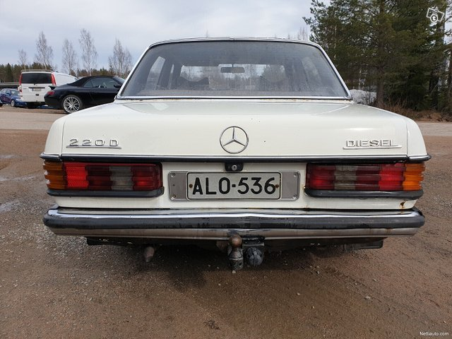 Mercedes-Benz 220 8