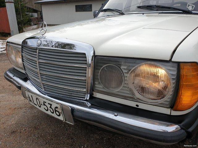 Mercedes-Benz 220 9