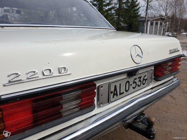 Mercedes-Benz 220 10