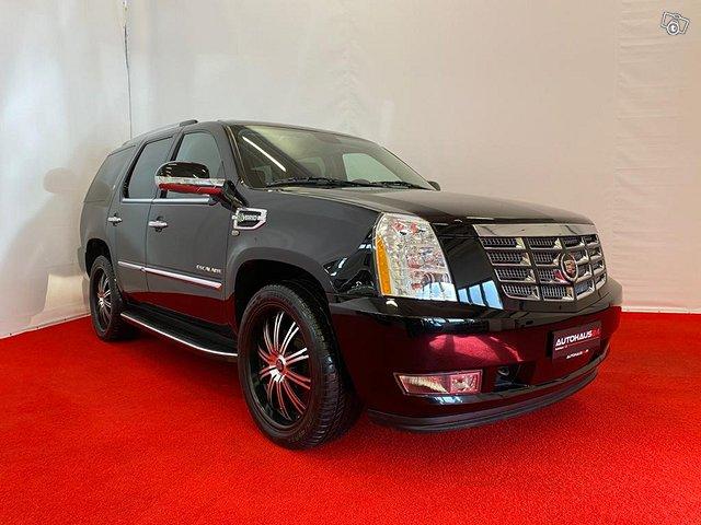 Cadillac Escalade 1