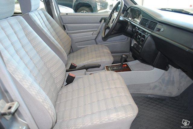 Mercedes-Benz 190 6