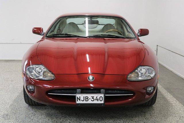 Jaguar XK8 4