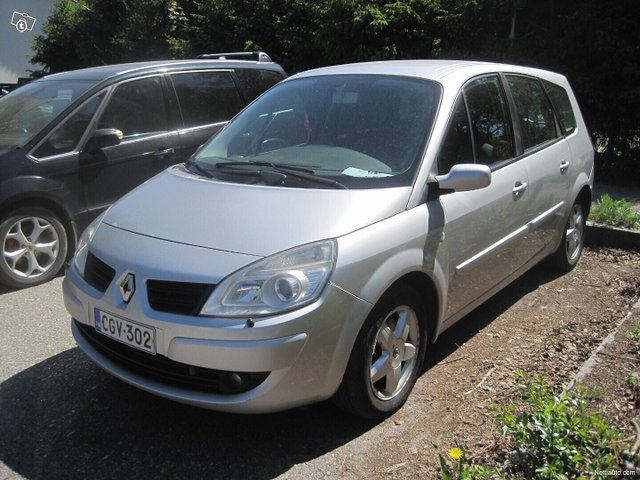 Renault Grand Scenic 1