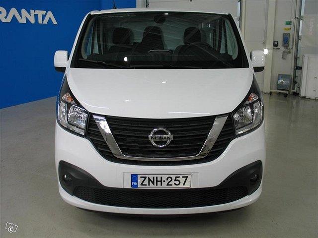 Nissan NV300 2