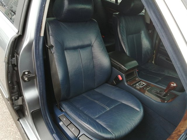 BMW 730 12
